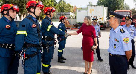 Παπακώστα: Επενδύουμε στους νέους πυροσβέστες για την προστασία των πολιτών