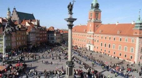 Πολωνία: Ελπίζει να μην διαταραχθούν οι σχέσεις με ΗΠΑ