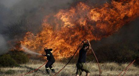 Μαίνονται οι πυρκαγιές στα χωριά Κοιλιωμένος και Μαχαίραδο Ζακύνθου