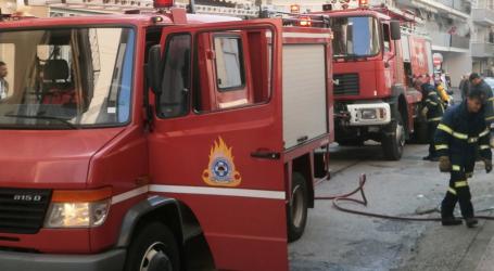 (UPD) Θεσσαλονίκη: Υπό έλεγχο τέθηκε η φωτιά στη βιομηχανική περιοχή της Σίνδου