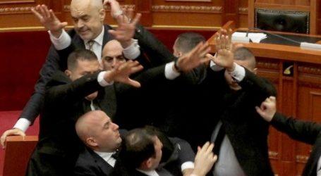 Ραγδαίες εξελίξεις στην Αλβανία -Μαζικές παραιτήσεις κατά Ράμα των βουλευτών της μείζονος αντιπολίτευσης
