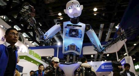 Κίνα: Αστυνομικοί- ρομπότ στην υπηρεσία των ταξιδιωτών