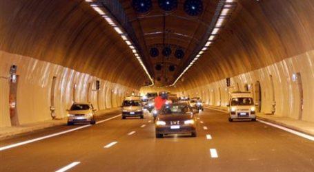 Νταλίκα ξήλωσε τα φώτα σήραγγας στην Αθηνών – Λαμίας
