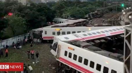 Ταϊβάν: Τουλάχιστον 22 άνθρωποι σκοτώθηκαν από εκτροχιασμό τρένου