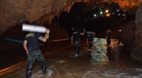 Ταϊλάνδη:  Εκτός σπηλιάς και όγδοο αγόρι – Απομένουν 4 παιδιά και ο προπονητής – Αύριο νέα επιχείρηση απεγκλωβισμού