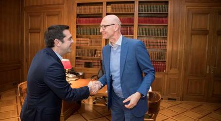Συνάντηση Τσίπρα με τον επικεφαλής της Deutsche Telekom