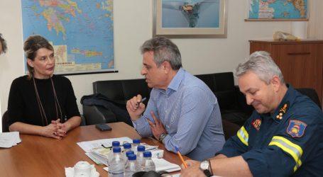Επίσκεψη-ενημέρωση Παπακώστα στο Συντονιστικό για τα ακραία καιρικά φαινόμενα