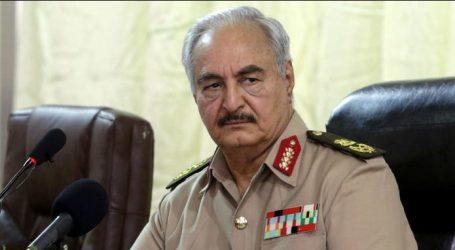 Ολοκληρώθηκε η ιδιωτική συνάντηση του υπουργού Εξωτερικών Νίκου Δένδια με τον Χαλίφα Χάφταρ