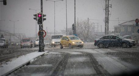 Προβλήματα στις συγκοινωνίες στην Αττική λόγω της χιονόπτωσης
