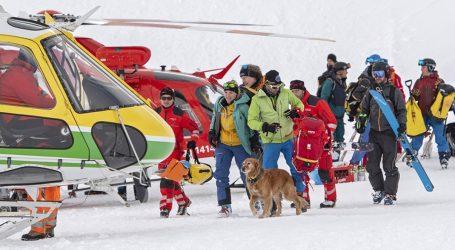 Χιονοστιβάδες έπληξαν χιονοδρομικά θέρετρα σε Αυστρία και Ελβετία