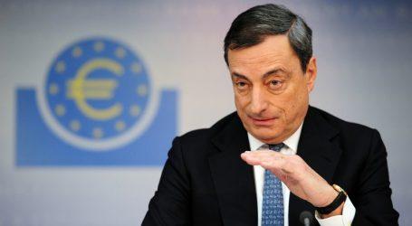 Bloomberg: Πως η Ιταλία κινδυνεύει με αποκλεισμό από την καρδιά της νομισματικής πολιτικής της ευρωζώνης