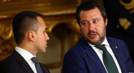 """DW: Η Ιταλία σε περιδίνηση λόγω του ελλείμματος που φέρνουν τα """"5 Αστέρια"""" και η """"Λέγκα"""""""
