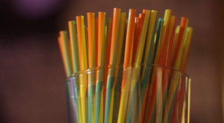 Οι Μινωικές καταργούν τα πλαστικά καλαμάκια