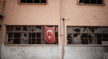 DW: Μάχη επιβίωσης δίνουν οι απολυμένοι του Ερντογάν