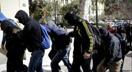 Προφυλακιστέοι οι 4 από τους 7 κατηγορούμενους της νεοναζιστικής οργάνωσης Combat 18
