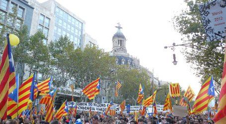 Το ανώτατο δικαστήριο εξέδωσε νέα εντάλματα σύλληψης σε βάρος τριών Καταλανών αυτονομιστών