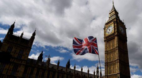 Βρετανία: Σταθερή ανάπτυξη για τις υπηρεσίες