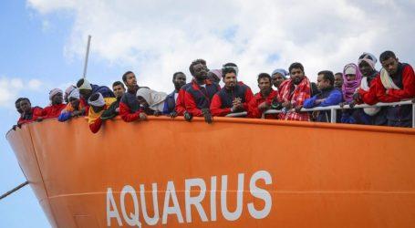 ΕΕ: Ατελείωτο το δράμα του προσφυγικού – Το Aquarius με 141 πρόσφυγες παραμένει στα ανοικτά της Λιβύης