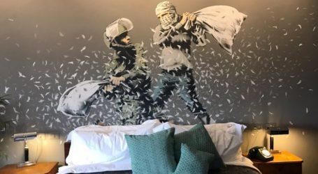 Walled off Hotel: Ξενοδοχείο στο τείχος της Βηθλεέμ από τον Banksy