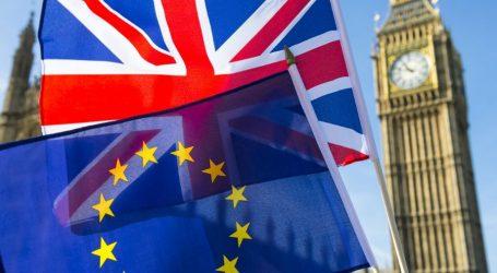 Βρετανία προς ΕΕ: Μην προσπαθείτε να μας εκφοβίσετε