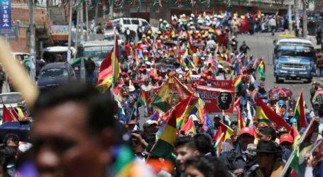 (VID) Παρατείνεται η συγκεχυμένη εικόνα στη Βολιβία | Πολλές χιλιάδες υποστηρικτές του Μοράλες στους δρόμους