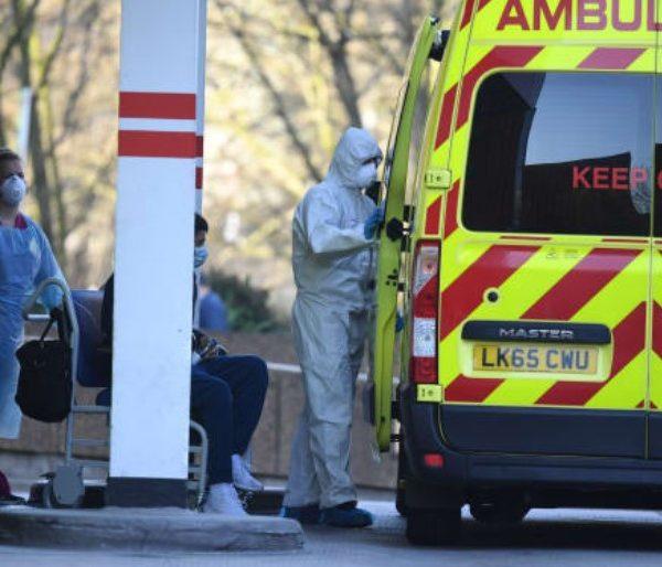 Βρετανία - κορωνοϊός: 413 νέοι θάνατοι