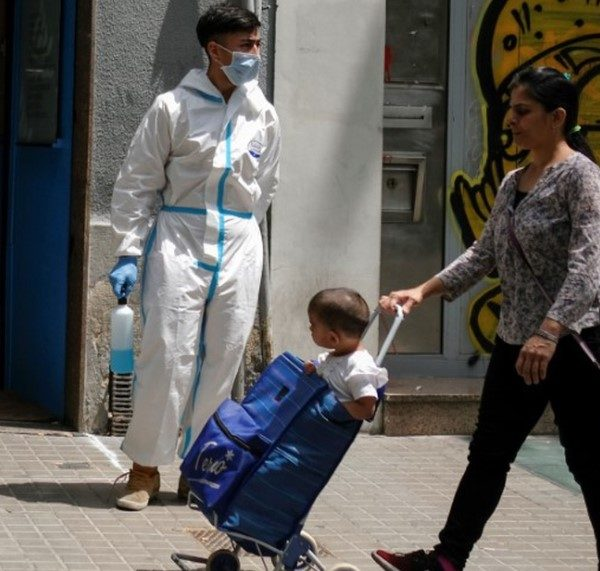 Κορωνοϊός: Καθοδική πορεία της πανδημίας σε Ισπανία και Γαλλία