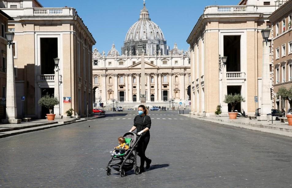 Ιταλία: Μεγάλη μείωση των νέων κρουσμάτων και περιορισμός του αριθμού των νεκρών