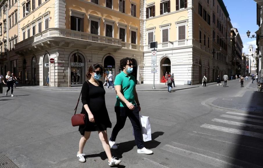 Ιταλια κορωνοιος: Αύξηση κρουσμάτων και νεκρών