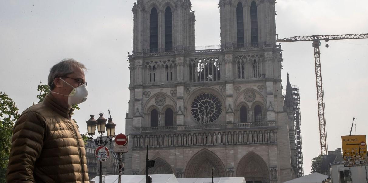 Παρίσι: Άνοιξε για το κοινό ο προαύλιος χώρος της Νοτρ Νταμ