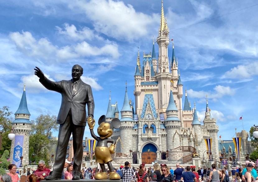 Η Disney προτείνει τη σταδιακή επαναλειτουργία του θεματικού πάρκου στις 11 Ιουλίου
