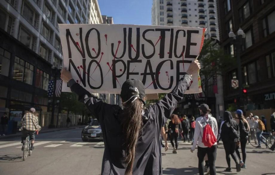 ΗΠΑ: Κηρύχθηκε τρομοκρατική οργάνωση το «Antifa» - Νέες δυνάμεις στις Πολιτείες στέλνει ο Τραμπ