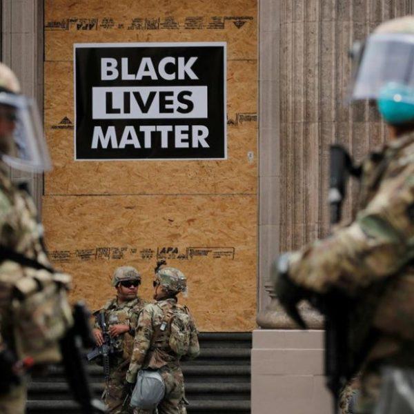 Δολοφονία Φλόιντ: Αντιδράσεις και στις ένοπλες δυνάμεις για την απόφαση Τραμπ να χρησιμοποιήσει τον στρατό