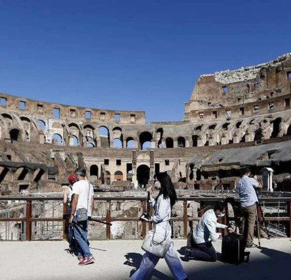 Ιταλία: Άνοιξε ξανά τις πύλες του το Κολοσσαίο