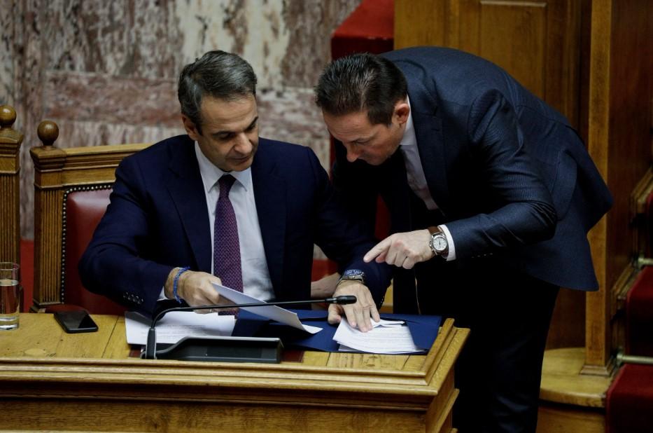 ΣΥΡΙΖΑ: Ο Πέτσας να καταθέσει αμέσως το ποσό που έλαβε κάθε Μέσο και στη συνέχεια να παραιτηθεί