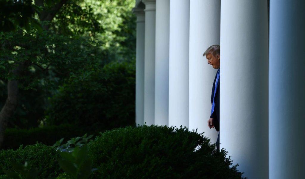 Τραμπ: Κατέβηκα... «για επιθεώρηση» στο καταφύγιο του Λευκού Οίκου