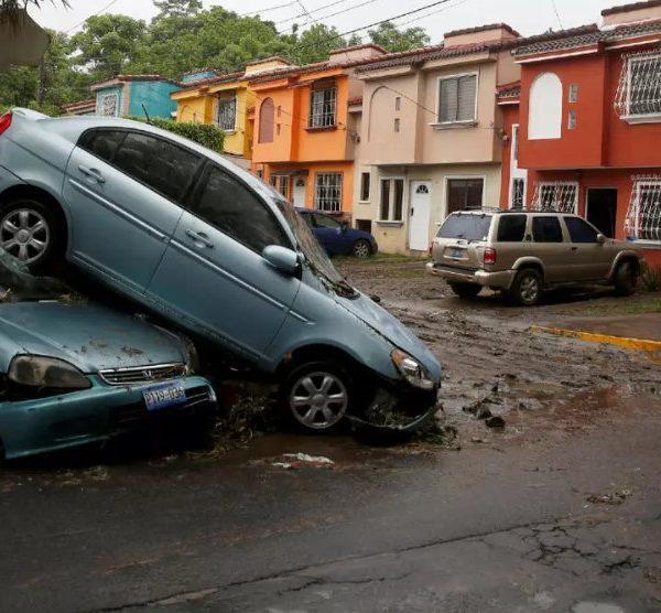Κεντρική Αμερική: Τουλάχιστον 20 νεκροί από το πέρασμα της τροπικής καταιγίδας Αμάντα
