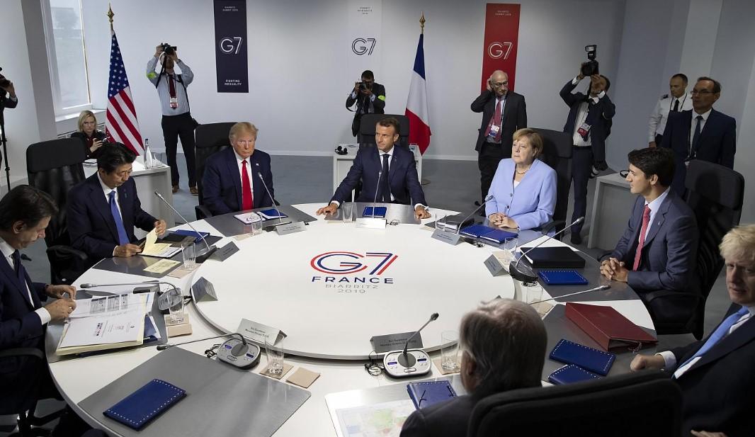 Κορωνοϊός: Μειώνεται η εμπιστοσύνη των πολιτών των χωρών της G7 προς τις κυβερνήσεις τους