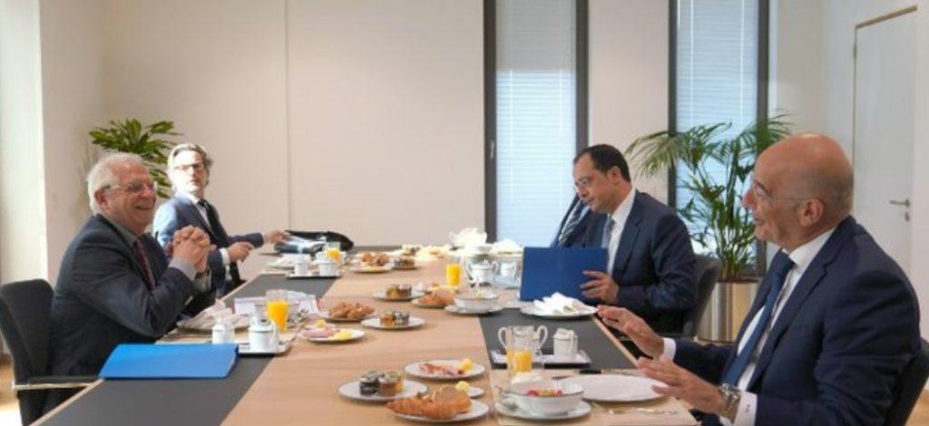 Οι ευρωτουρκικές σχέσεις στο επίκεντρο της συνάντησης Δένδια - Χριστοδουλίδη με τον Μπορέλ