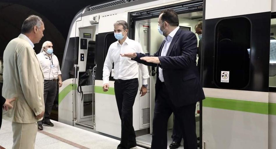 Μητσοτάκης:Το τρένο θα σφυρίξει τρεις φορές, σε Νίκαια, Αγία Βαρβάρα και Κορυδαλλό (vid)