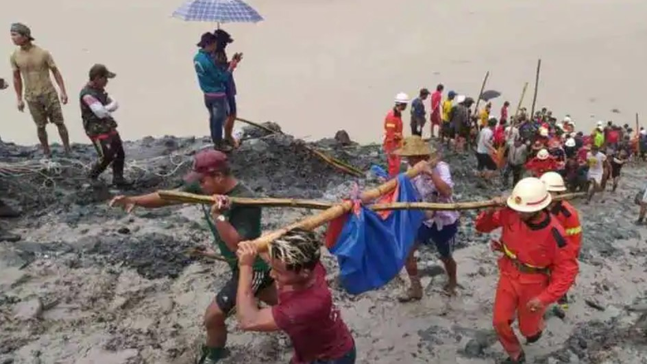 Μιανμάρ: Τουλάχιστον 113 νεκροί από κατολίσθηση σε ορυχείο