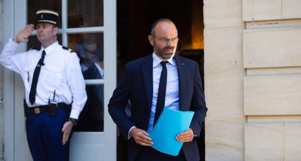Γαλλία: Παραιτήθηκε η κυβέρνηση Φιλίπ