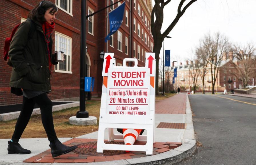 ΗΠΑ: Εξαιρούνται από την απαγόρευση εισόδου οι φοιτητές από την Ευρώπη με θεωρήσεις διαβατηρίων σε ισχύ
