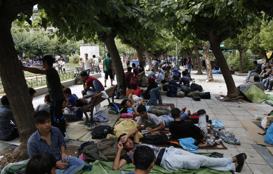 ΓΧΣ: Να βρουν άμεσες λύσεις για τη στέγαση των προσφύγων καλούν κυβέρνηση και ΕΕ