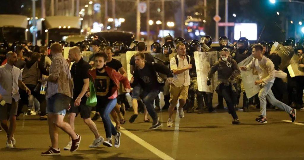 Λευκορωσία: Διαδηλωτής σκοτώθηκε όταν εξερράγη στα χέρια του αυτοσχέδιος εκρηκτικός μηχανισμός