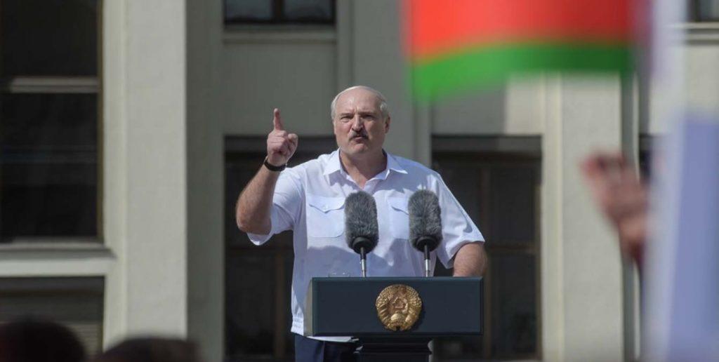Λευκορωσία: Ο Λουκασένκο διέταξε το στρατό να «υπερασπιστεί την ακεραιότητα της χώρας»