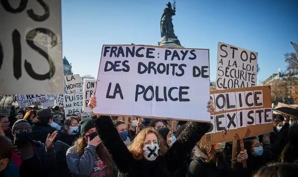 Γαλλια διαδηλωσεις τυποκτονα διαταξη