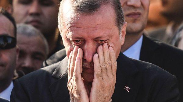 Ερντογάν υπό πιεση