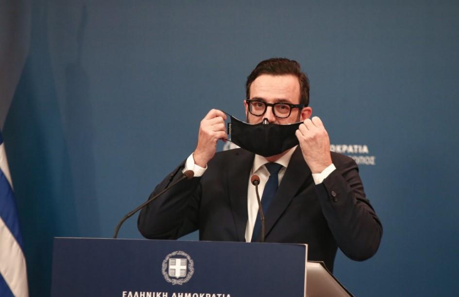 Ταραντίλης με μάσκα