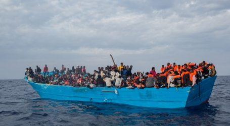 """Απάνθρωπη ΕΕ: Πλοιάριο με 450 πρόσφυγες/μετανάστες """"μπαλάκι"""" μεταξύ Ιταλίας και Μάλτας (UPD)"""